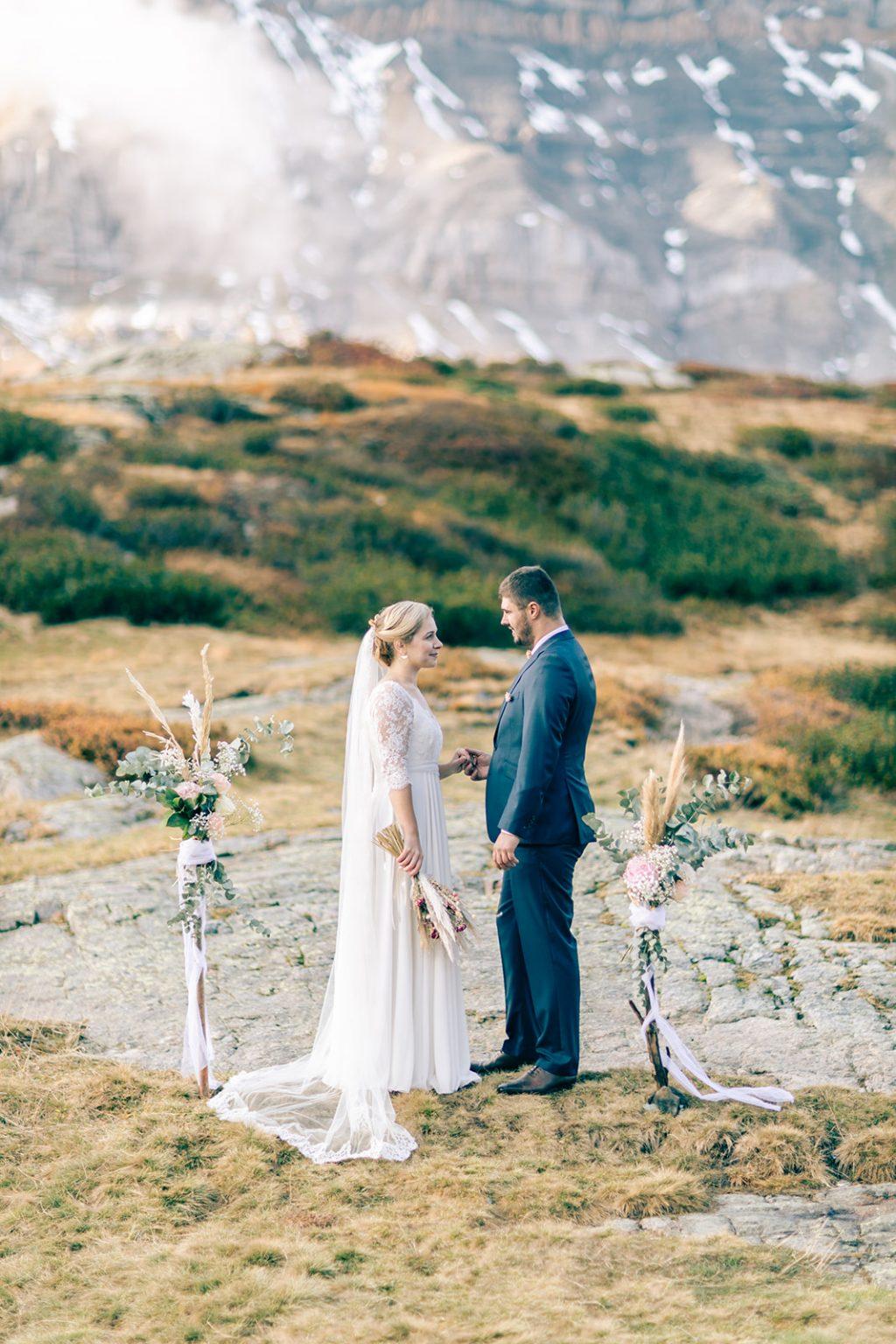 elopement-mariage-aventure-nature-alpes-maries-montagne-sauvage